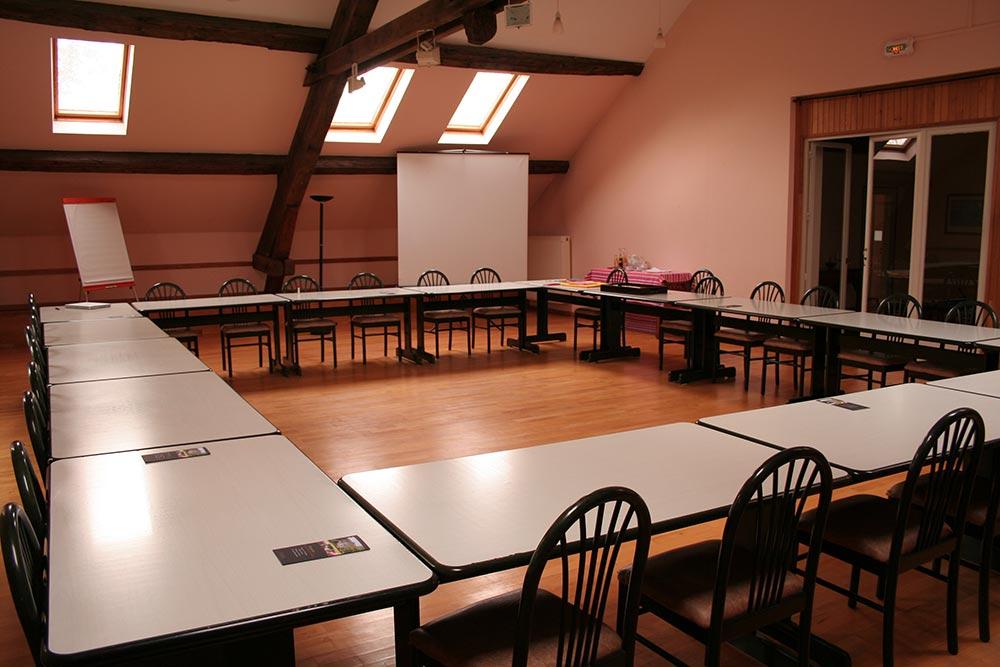 Grande salle de réunion en Franche-Comté au Château de la Linotte